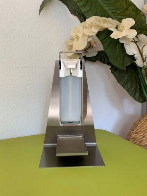 Villinger Tisch-Desinfektionssäule Tischständer Edelstahl inklusive Desinfektionsspender mit Bedienhebel mit Tropfschale inkl. 1000 ml Leerflasche
